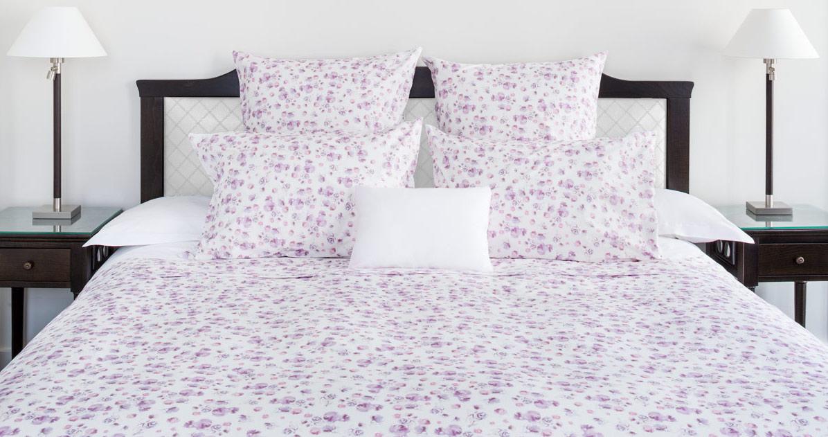 10 id es et inspirations d co pour une chambre romantique lisa galimberti luxury bed linen - Parure de lit fleurie ...