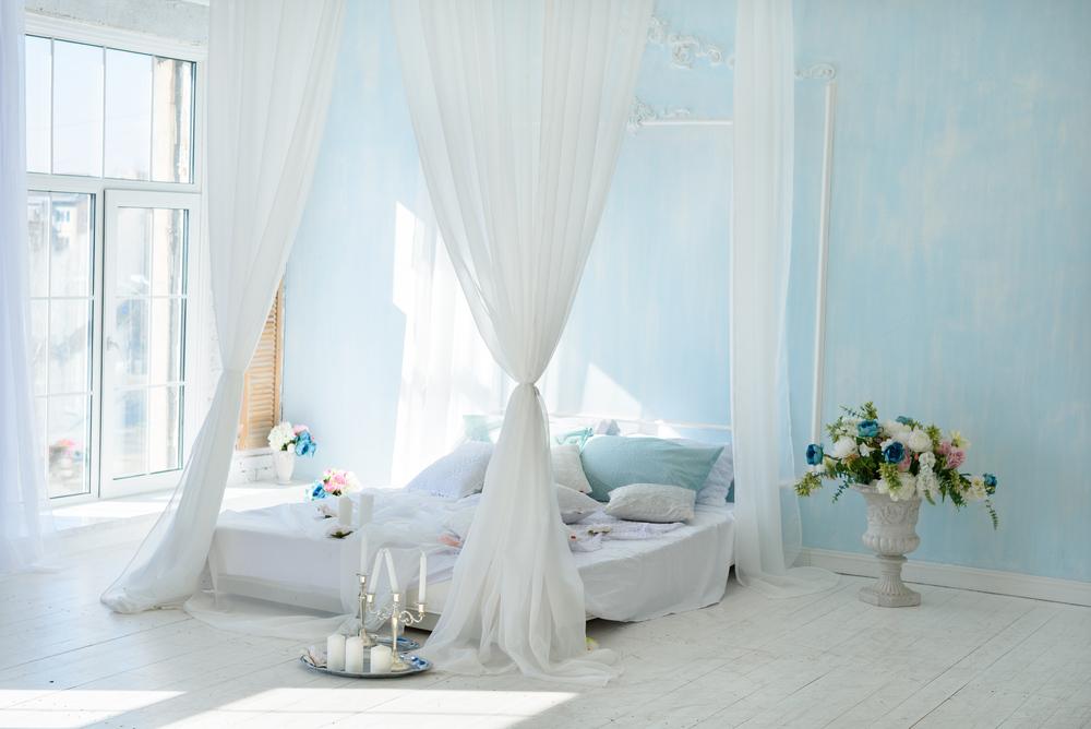 chambre_romantique_voilages